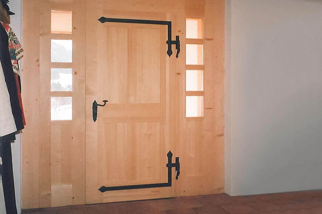 sutter schreinerei innenausbau ladenbau trennw nde b den decken haust ren zimmert ren. Black Bedroom Furniture Sets. Home Design Ideas